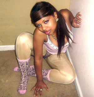 ebony girlfriend nude