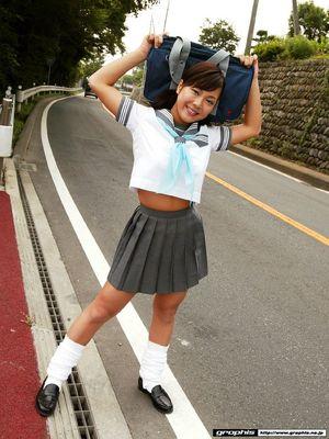 japanese schoolgirl upskirt