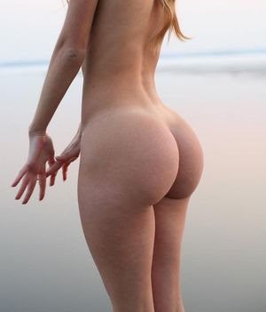 sexy naked girl butt