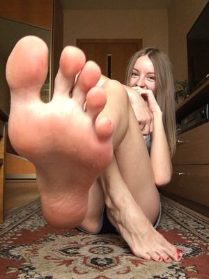 girl with sexy feet