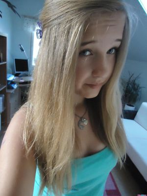 blonde teen webcam