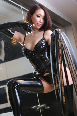 latex sexy girl