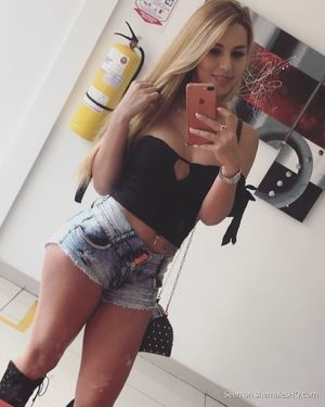 blonde teen shemale