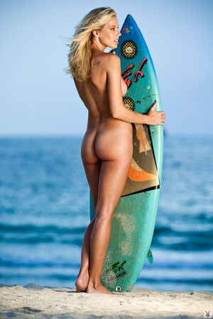 sexy naked surfer girl