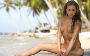 beautiful nudist women