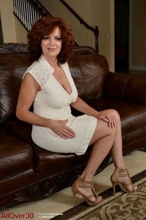 beautiful mature women photos