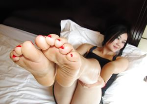 white girl sexy feet