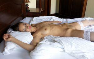 girlfriend sleeping naked