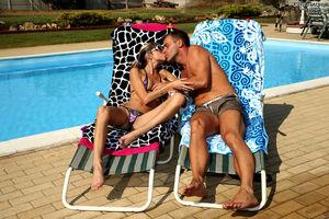 wife nude in pool