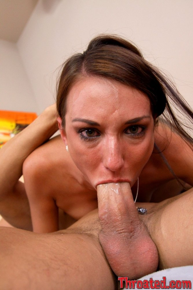 Sucking cock deepthroat