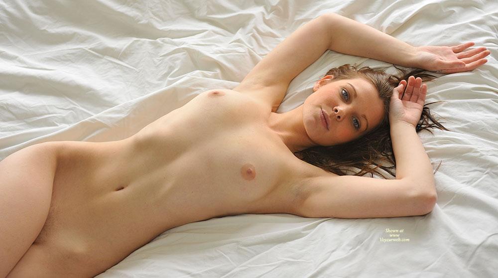 Very Sexy Nude Girl In Repose - February, 2010 - Voyeur Web
